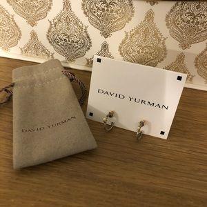 David Yurman gold & silver pearl earrings 🎀